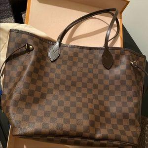 Neverfull MM Louis Vuitton bag